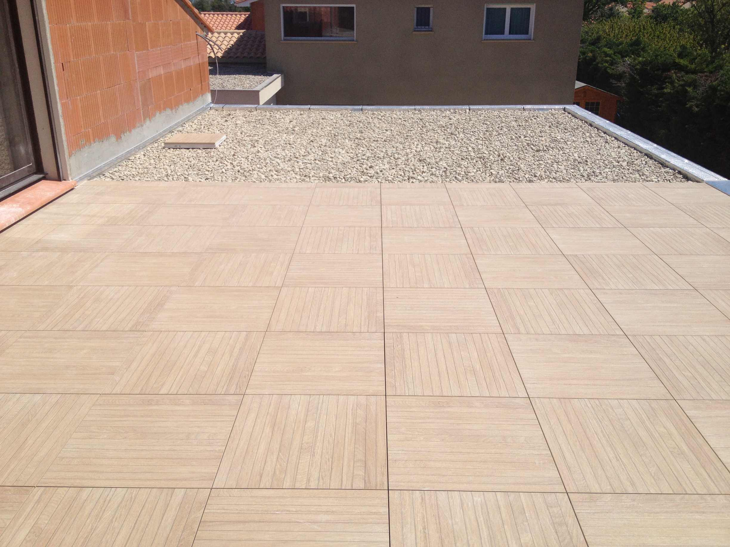 7-dalle-60-carrelage-imitation-bois-et-terrasse-inaccessible.jpg